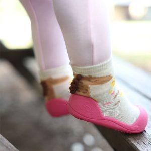 Giầy chức năng tập đi Attipas Giraffe Fuchsia A18G - giày tập đi cho bé gái 2 tuổi, giầy xinh bé gái 1 tuổi
