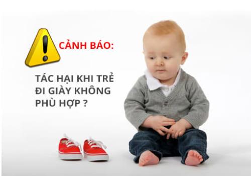 Tác hại khi trẻ đi giày không phù hợp - chon giay cho be tap di